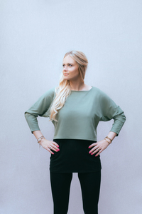 Umstands- und Stillpulli kurz: Crop Top dick in tea green - stillfashion