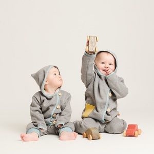 Baby-Sweat-Jäckchen mit Tasche aus 100% Bio-Baumwolle - Cheeky Apple