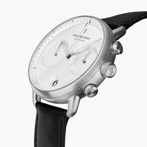 Chronograph Pioneer Silber | Weißes Ziffernblatt - Lederarmband - Nordgreen Copenhagen