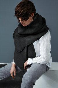 Schal aus Bio-Baumwoll-Fleece schwarz meliert - LUXAA