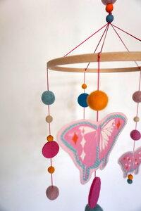 Mobile Schmetterlinge Sommerfarben - HipHip-Hurra