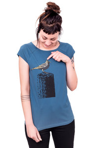 "Bio-& Fair-Trade-Frauenshirt ""Tempelhofer Feldlerche"" blau - Hirschkind"