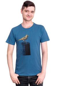 "Bio- & Fair-Trade-Männershirt ""Tempelhofer Feldlerche"" denimblau - Hirschkind"