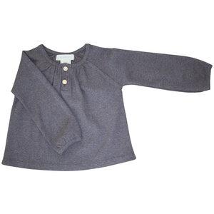Baby Bluse mit kleinen Holzknöpfen am Halsausschnitt - Serendipity