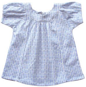 Baby feiner Bluse aus Jersey mit schönem Halsausschnitt.  - Serendipity