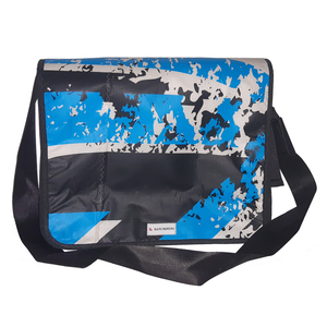 Große Messenger bag Size L aus gebrauchten Kitesegeln / Canvas UNIKAT - Beachbreak
