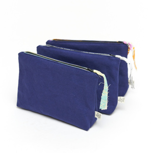 Kosmetiktasche mit Reißverschluss, upcyling & bio, Canvas leuchtendblau - diejuju