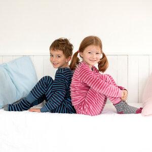 Frottée-Pyjama dunkelblau geringelt aus Bio-Baumwolle - People Wear Organic