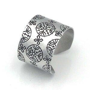 """Armreif Aluminium """"Ornament"""" recycelt - Bawa Hope"""