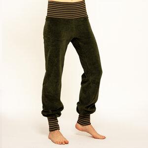 Yoga und Wohlhose in waldgrün / khaki-braun - Cmig