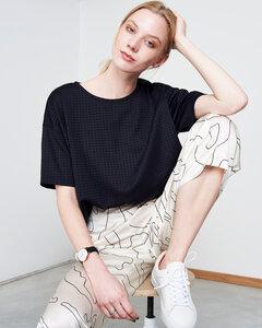 Boxy Shirt CHESTER aus schwarzem Neopren mit Struktur - JAN N JUNE