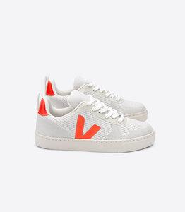 Sneaker Vegan - Junior Small V-10 Malha - Branco Aluminio Orange Fluo - Kids - Veja