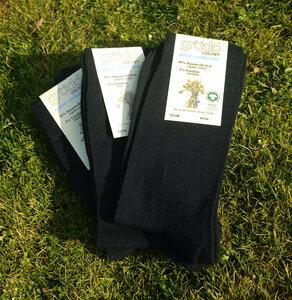 schwarze Herrensocken (3er Pack) - grödo
