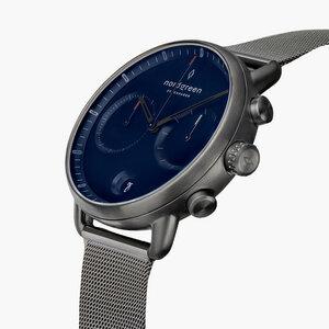 Chronograph Pioneer Anthrazit | Blaues Ziffernblatt - Mesharmband - Nordgreen Copenhagen