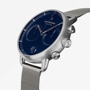 Chronograph Pioneer Silber | Blaues Ziffernblatt - Mesharmband - Nordgreen Copenhagen