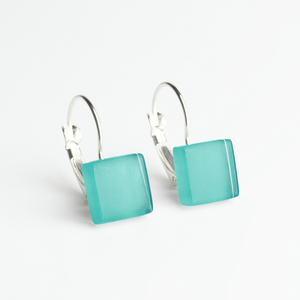 Geometrische Ohrringe hängend aus Glas | PUREFORM - ALEXASCHA