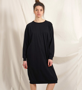 Long Pulli Dress schwarz aus Bio-Baumwolle - Lena Schokolade