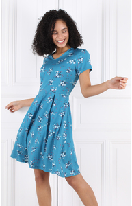 """Kleid aus Bambus-Fasern und Bio-Baumwolle """"LA-012-284 Lily floral-bay"""" - Lykka du Nord"""