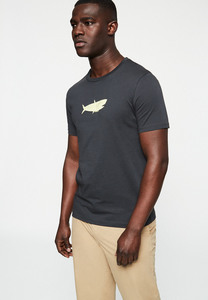 JAAMES BIG FISH - Herren T-Shirt aus Bio-Baumwolle - ARMEDANGELS