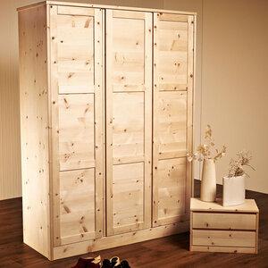 Massivholz-Schrank mit 3 Türen aus Zirbenholz 'Dreamfield' - 4betterdays