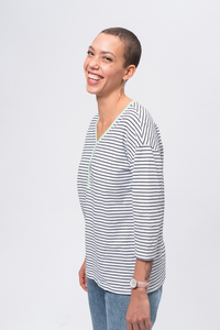 Gestreiftes Damen Langarmshirt aus Bio Baumwolle weiß/blau   Casual Henley Longsleeve - recolution