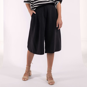 Culottehose schwarz Tencel knielang - SinWeaver alternative fashion
