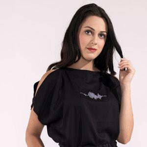 Bluse, Oberteil mit kurzen Ärmeln schwarz oder weiß mit Motiv Stickerei Tencel - SinWeaver alternative fashion