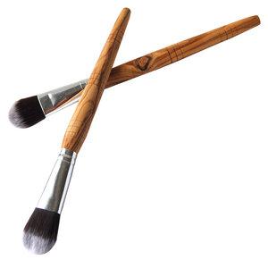 Make-Up-Pinsel mit weichem Haar (vegan) und Stiel aus Olivenholz - Olivenholz erleben