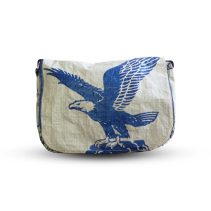 Messenger BagUp Small aus Zementsack - Upcycling Deluxe
