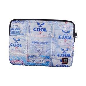 Laptophülle Wasserbett aus Wasserpäckchen  - Trashy Bags