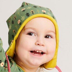 """Gefütterte Baby-Ohrenhaube aus Bio-Baumwolle """"Aprikosenblumen/Warm Olive"""" Grün/Gelb/Rosa - Cheeky Apple"""