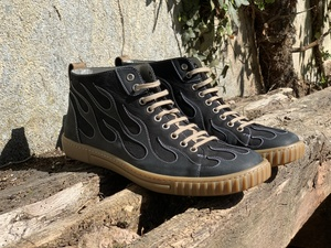 High-Cut Sneaker burning 67 - b.y.r.d.