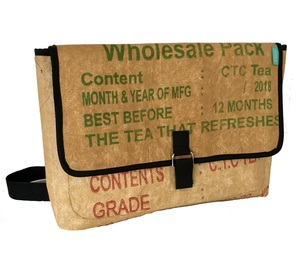 Recycelte Tea Messenger bag / Umhängetasche / Laptoptasche  - SuperWaste
