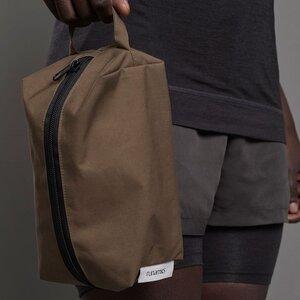Sport Kulturtasche zum Aufhängen, Bio-Baumwolle, wasserdicht, olivgrün (mit / ohne plastikfreien Pflegeprodukten) - runamics