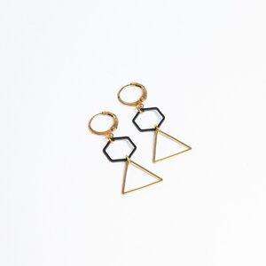 """Ohrring """"6to3"""" aus Messing in schwarz und gold - ALMA -Faire Streetwear & Schmuck-"""