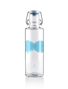 "soulbottle 0,6l • Trinkflasche aus Glas • ""Water is a human right"" - soulbottles"