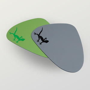 'Gecko' Mousepad aus Recyclingleder Tropfenform - HANDGEDRUCKT