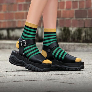 "Ringel-Socken aus schimmernder Viskose ""Amiable Hedda"" in 2 Farben - Too Hot To Hide"