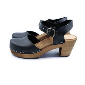 MAJKEN - schwedische Holz Clogs Sandale von me&myclogs - high mid heel  - me&myClogs