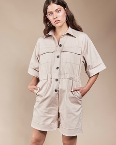 Kurzer Jumpsuit CARTAGO sand - JAN N JUNE