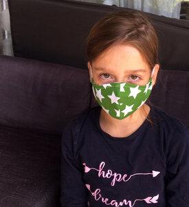 Mund- & Nasen- Maske / Behelfsmaske | (Kinder & Erwachsene) weisse Sterne auf grünem Baumwolljersey (kbA) - Pat und Patty