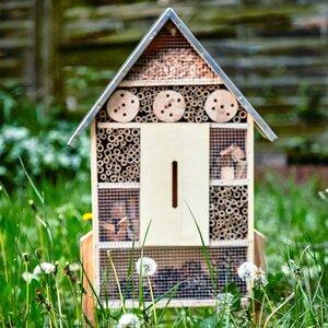 Insektenhaus mit Metalldach & Füßen | Bienenhotel Insektenhotel Schmetterlingshaus  - Bambuswald