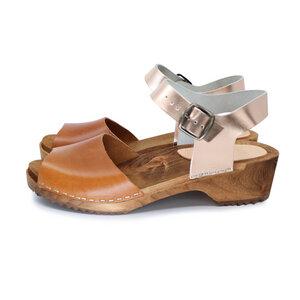 MILA - schwedische Holz Clogs Sandale von me&myclogs - low heel, cognac-rose - me&myClogs