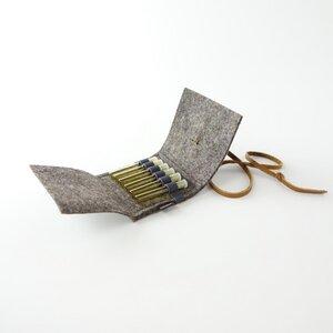 Taschenapotheke für homöopathische Globuli aus Filz braun mit 6 leeren Gläschen 'samuel' - matilda k. manufaktur