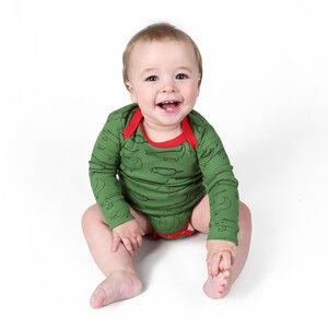 "Langarmbody Baby Body aus Bio-Baumwolle ""Crocodiles"" grün - Kipepeo-Clothing"