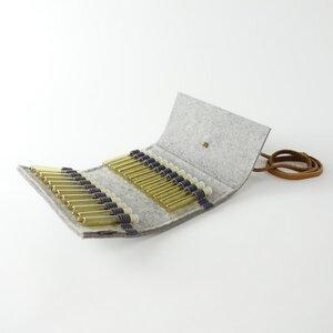 Taschenapotheke für homöopathische Globuli aus Filz hellgrau mit 24 leeren Gläschen 'samuel' - matilda k. manufaktur