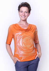 Rosen-Wasserfallshirt in Orange - Peaces.bio - handbedruckte Biomode