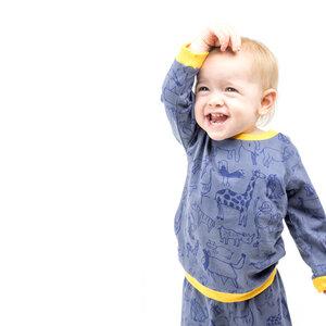 """Baby Schlafanzug Langarmshirt mit Hose aus Bio-Baumwolle """"Wanyama"""" charcoal grau - Kipepeo-Clothing"""