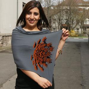 'Wilde Möhre' Schal von American Apparel - shop handgedruckt