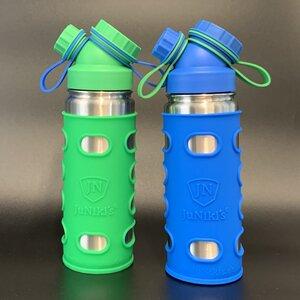 2er Set robuste JuNiki´s® eco line isolierte Edelstahl Trinkflaschen 550ml + Silikonhüllen grün blau - JN JuNiki's